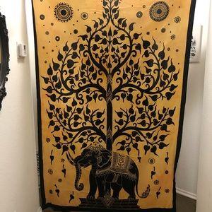 Elephant Tree Tapestry 🐘💛